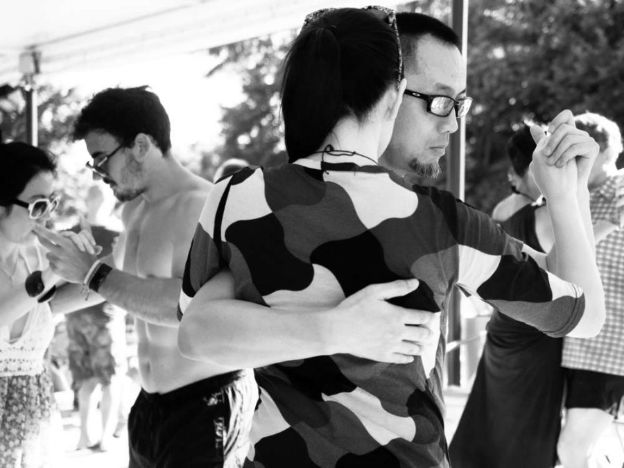 Tango Story: Frames, patterns and tango